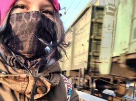 Rina Palenkova, 16 anos, postou um self nas redes sociais antes do seu suicídio