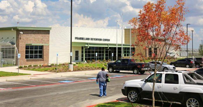 Prairieland Detention Center (PDC) em Alvarado (TX)