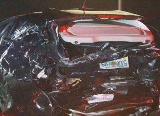 Carro foi destruído na batida FOTO Jim Donnelly- Sunsentinel