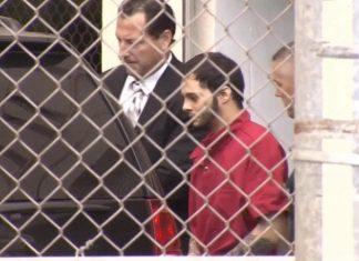 Esteban Santiago declarou-se culpado e pode ser condenado à prisão perpétua