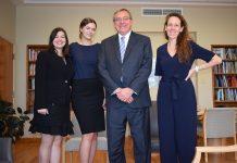 Giovanna Kubota, Laura Henschel, o reitor Fuchs e a professora Andrea Ferreira