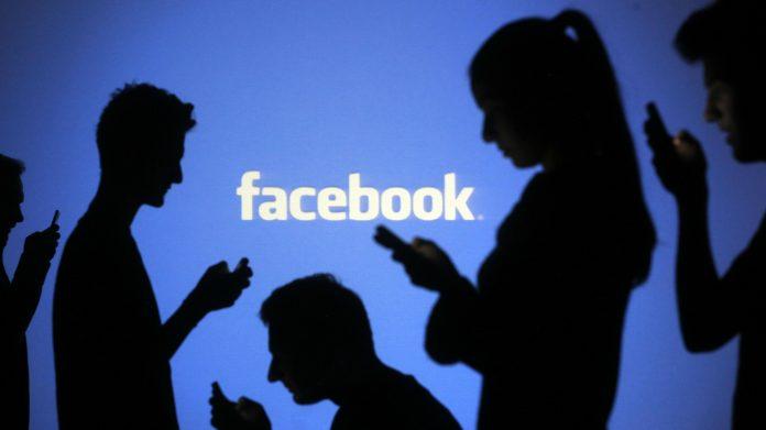 Facebook baniu estremistas das suas páginas