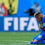 Neymar chora copiosamente depois de vitória do Brasil Imagem (Foto: Gabriel Bouys/ AFP)