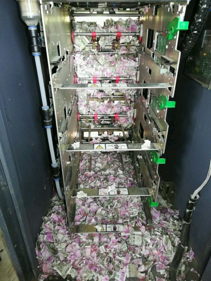 Ratos destruíram dinheiro na India