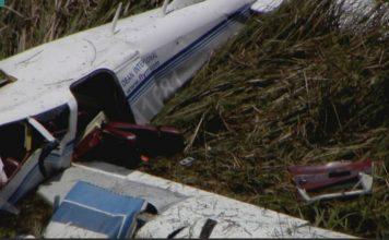 Aviões pertenciam à escola Dean International de aviação FOTO: Local 10 News