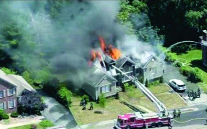 Casa foi destruída pelas chamas