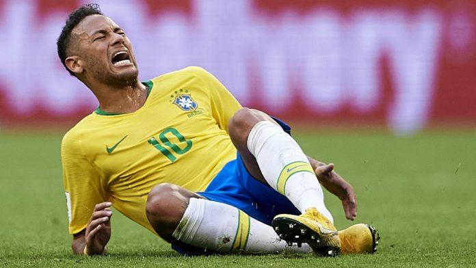 Desta vez, Neymar não caiu muito nem reclamou; em compensação, pouco jogou...