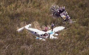 Duas aeronaves bateram e três pessoas morreram no acidente