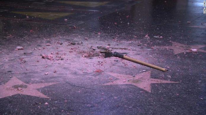 Esta não foi a primeira vez que a estrela de Trump foi alvo de vandalismo