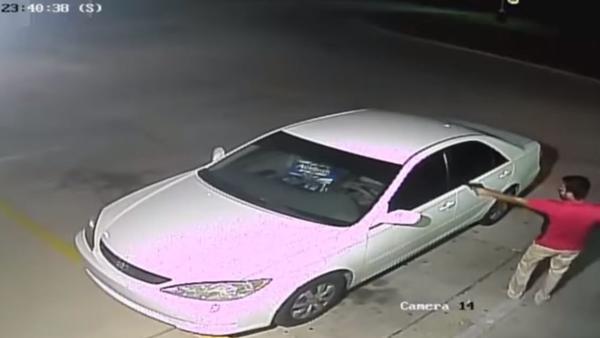 Imagens do incidente foram registradas por câmeras no local