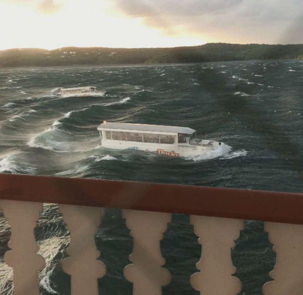 Lago revolto e mau tempo fizeram com que a embarcação virasse