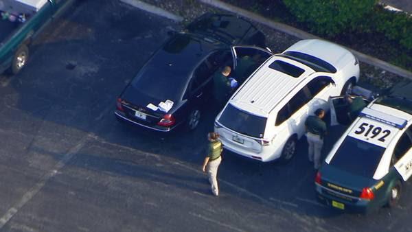Polícia conseguiu resgatar o carro com a criança dentro