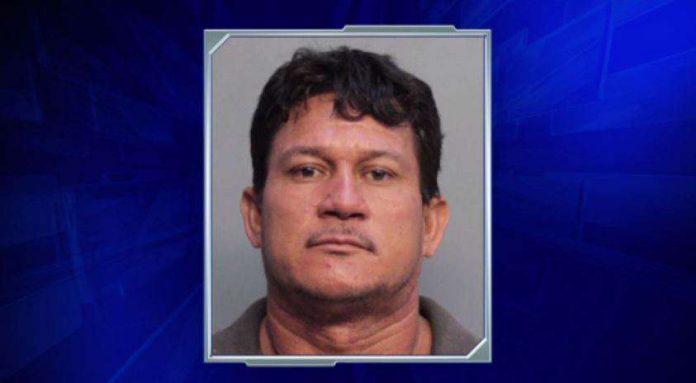 Reniero Rodriguez está preso sem direito à fiança