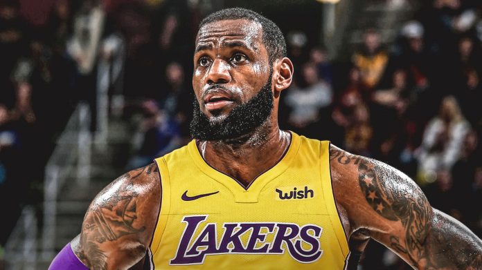 Montagem feita por fãs com LeBron James usando a camisa do Los Angeles Lakers
