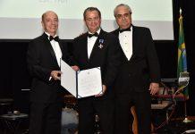 Embaixador Adalnio Senna Ganem, Cássio Segura (sendo condecorado com a Ordem de Rio Branco) e Rodrigo Fonseca