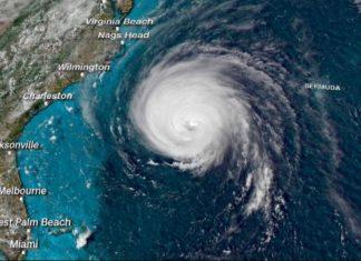 Florence se aproxima da Costa dos EUA