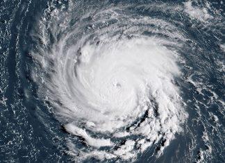 Imagem de satélite mostra o furacão Florence ao largo da costa do Oceano Atlântico, na segunda-feira (10) FOTO AFP