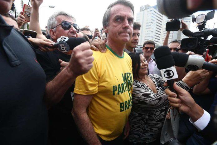 O deputado sofreu um ataque a faca durante ato em Minas Gerais, em 6 de setembro de 2018
