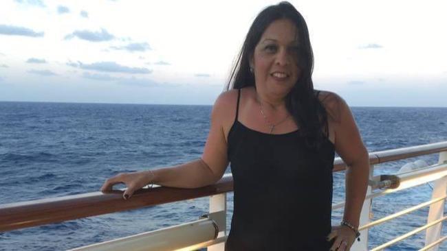 Almarosa morreu após cair de navio