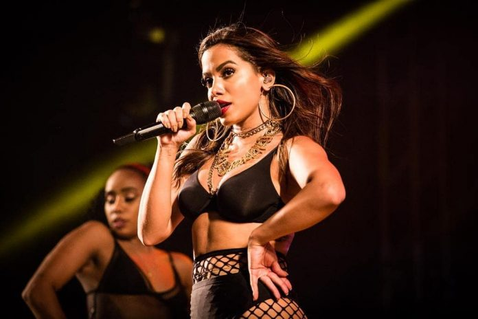Anitta se apresenta em NY