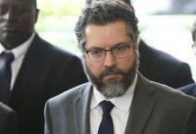 O futuro ministro das Relações Exteriores, embaixador Ernesto Fraga Araújo, concede entrevista à imprensa