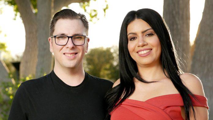 Larissa veio para os EUA com visto de noiva e participa de reality nos EUA