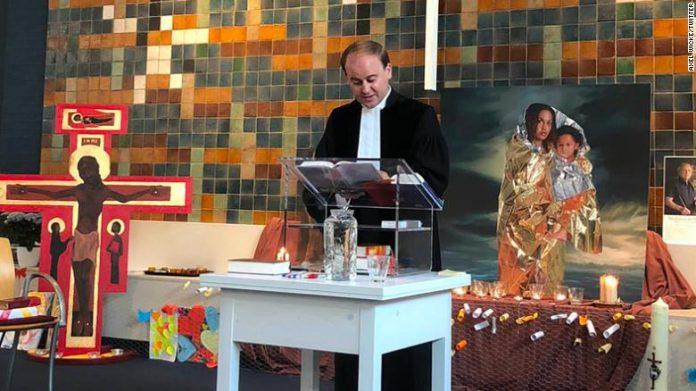 Igreja celebrou missa ininterruptamente desde outubro