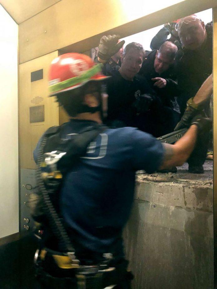 Seis pessoas foram resgatadas sem maiores ferimentos do elevador
