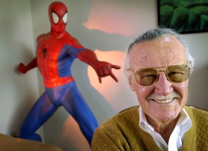 Stan Lee em foto de 2002 — Foto Reed SaxonAP