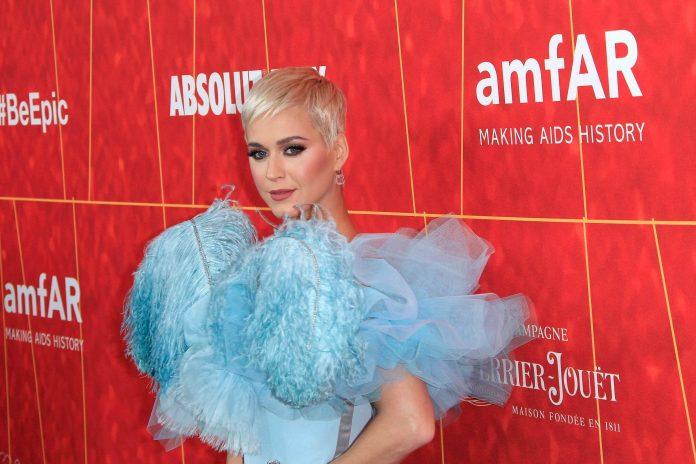 Katy Perry recebeu 83 milhões em 2018