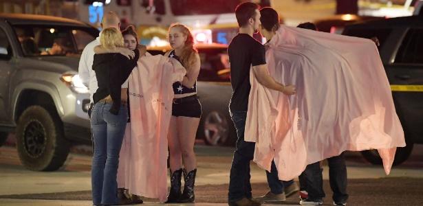 Atirador abriu fogo contra universitários em bar FOTO AP