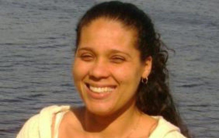 Adriana Paula da Silva Toledo faleceu em 2011, deixou 3 filhas e foi sepultada em Framingham (MA)