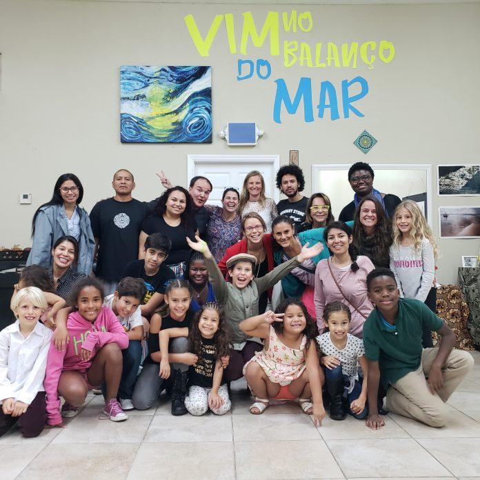 O grupo é liderado pela professora 'Rebelde'- como é conhecida no meio da capoeira - que criou o Mundo Art e o grupo de Capoeira Cordão de Ouro de Miami