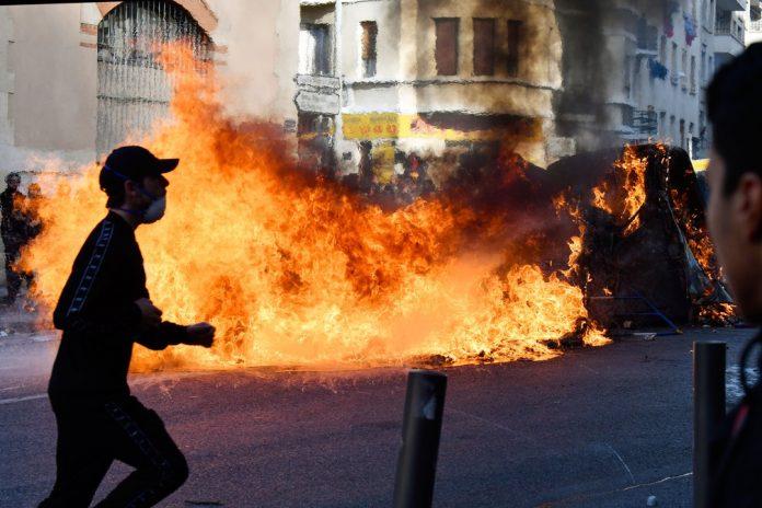 Onda de protestos na França (Foto: Gerard Julien/AFP)