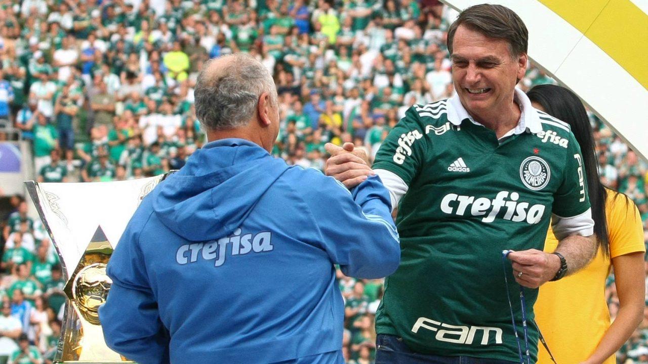 Presidente eleito cumprimenta Felipão pela conquista do título
