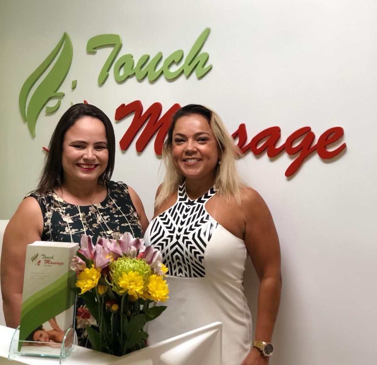 Andrea e Cida são sócias do Touch Massage de Boca Raton