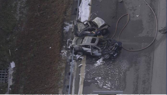 Carros foram tomados pelo fogo em grave acidente em Deerfield Beach FOTO Local10News