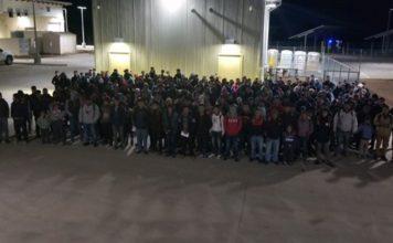 Cerca de 250 imigrantes atravessaram a fronteira ilegalmente