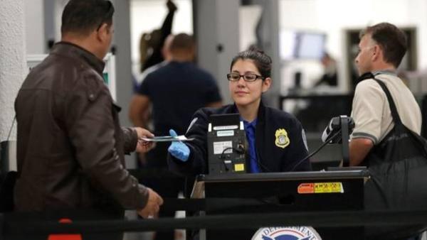 Trabalhadores do TSA no MIA foto Lybbe Sladky AP