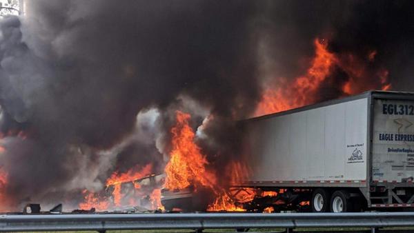 Tragédia matou cinco crianças e dois motoristas na I-75