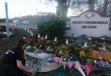 Diversas homenagens foram prestadas às vítimas do atentado de Parkland FOTO Joe Cavaretta - Sunsentinel