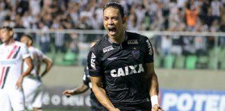 Ricardo Oliveira marcou os dois gols no empate do Galo com o Danubio, do Uruguai
