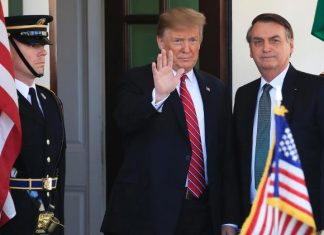 Bolsonaro é recebido por Trump na Casa Branca FOTO Manual Balce Ceneta AP