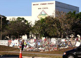 Escola foi alvo de massacre em 14 de fevereiro de 2018 (Foto: Reuters/Mary Beth Koeth)