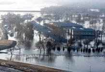 As enchentes da semana passada já causaram quase $1,5 bilhão de dólares em danos apenas em Nebraska