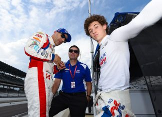 Tony Kanaan, James Black e o jovem Matheus Leist