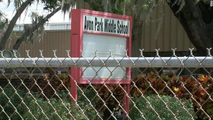 Alunas estudam na Avon Park Middle School FOTO WFLA