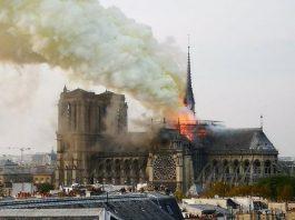 Incêndio na Catedral Notre-Dame em Paris FOTO Reprodução Twitter