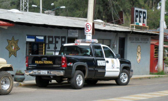 Polícia Federal do México prendeu centenas de imigrantes rumo à fronteira FOTO Olivier Brisson Flickr