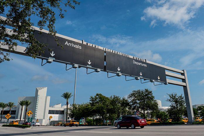 Imigrantes estão optando por sair voluntariamente FOTO Miami International Airport - divulgação